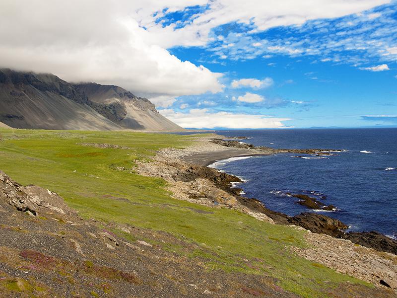 BILFERIE PÅ ISLAND_Kjør Selv ferie rundt Island_Besøk Hvalnes på bilferien på Island med Din Islandsreise © Din Islandsreise