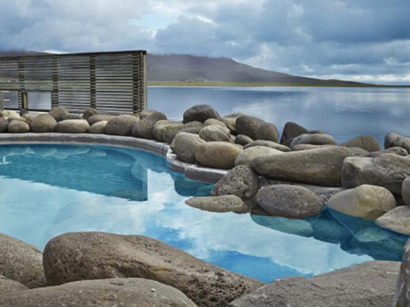 Den Blå Lagune og Spa på Island_Bade i varme kilder på reiser til Island med Din Islandsreise © Din Islandsreise