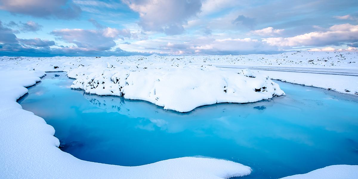 BILFERIE PÅ ISLAND_Bilferien Reykjavik og Sørkysten av Island_Den Blå Lagune på vinterstid © Din Islandsreise