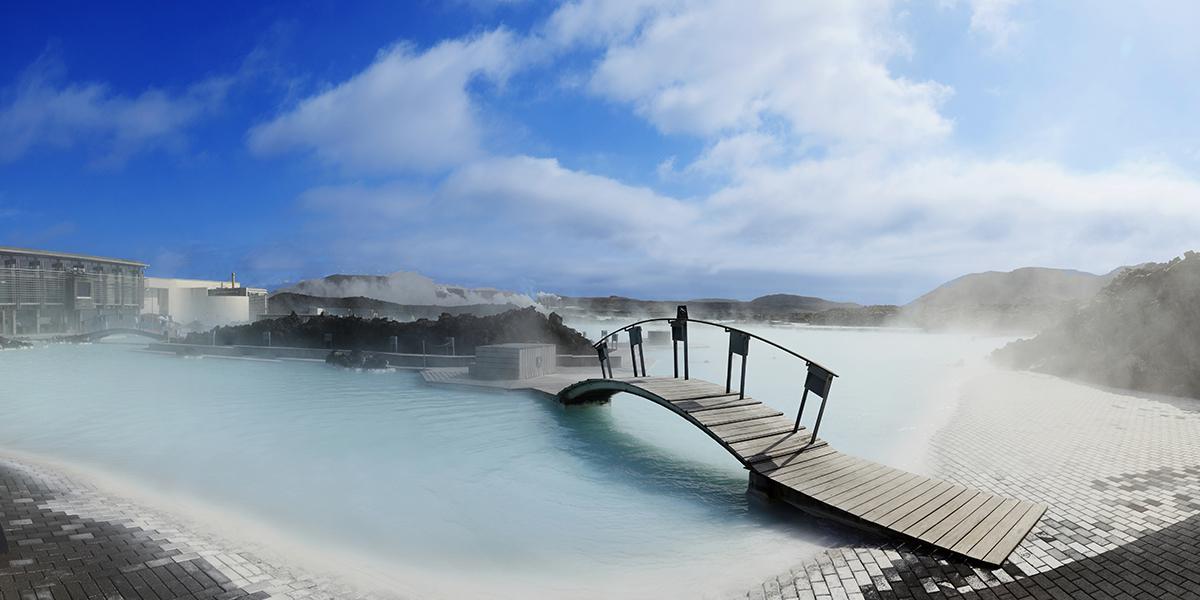 DEN BLÅ LAGUNE OG SPA PÅ ISLAND_Bading i Den Blå Lagune på Island © Din Islandsreise