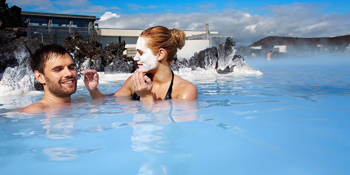 DEN BLÅ LAGUNE OG SPA PÅ ISLAND_Geysir og spa på samme dag © Din Islandsreise