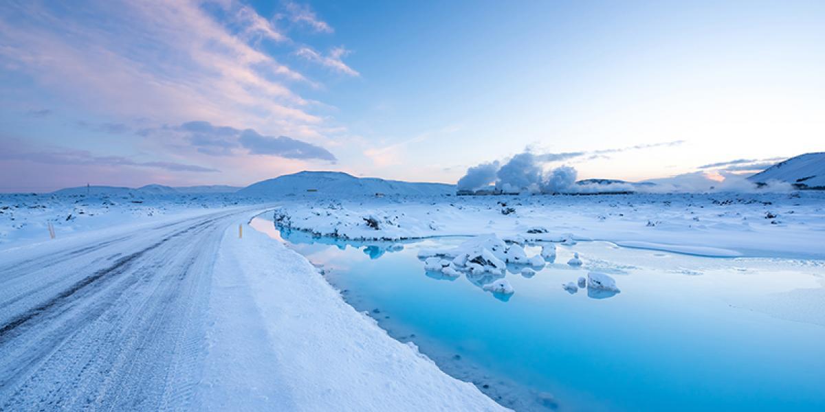 GUIDEDE TURER PÅ ISLAND_Guidede dagsturer fra Reykjavik_Vinter_Den Blå Lagune på vinterstid © Din Islandsreise